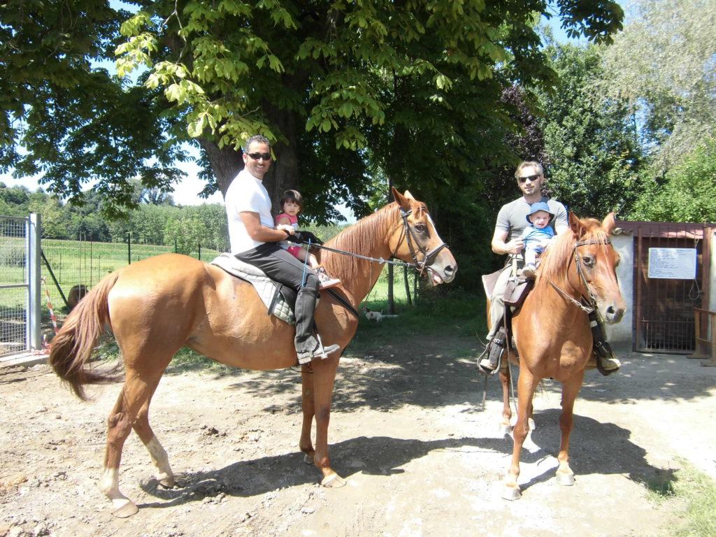 Passeggiate a cavallo nei boschi